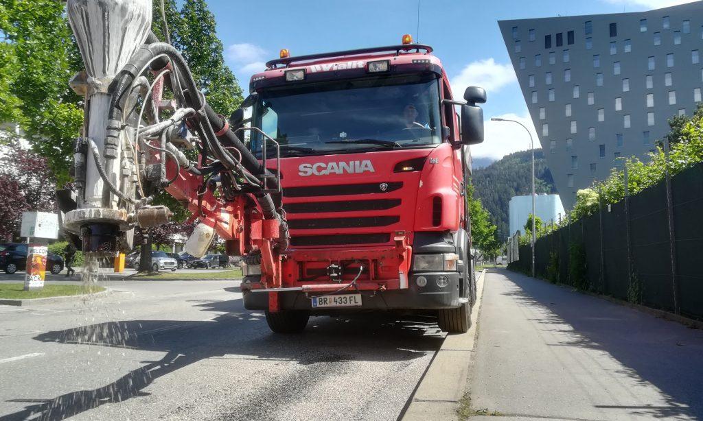 Sanierung der Anton-Eder-Straße mit Rephalt maschinell